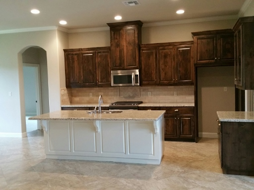 2901 Ascot- Kitchen front large (512×384)